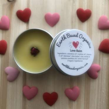 Love_Balm_Open_Close_Up